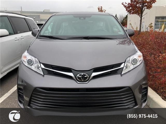 2019 Toyota Sienna LE 8-Passenger (Stk: M190137) in Mississauga - Image 2 of 5
