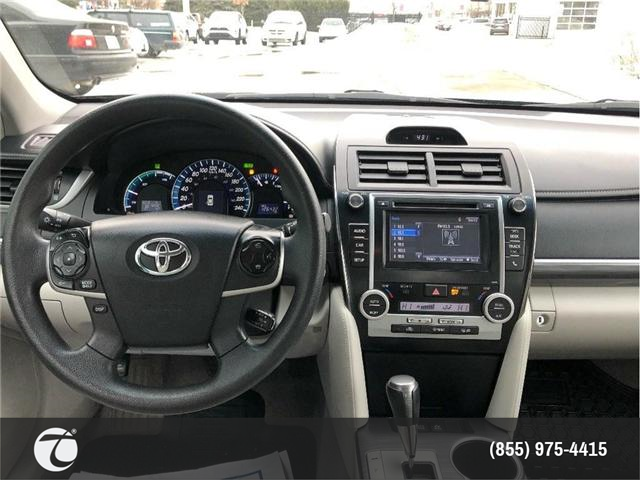 2014 Toyota Camry Hybrid LE!! JUST TRADED IN !! (Stk: 31432) in Mississauga - Image 3 of 17