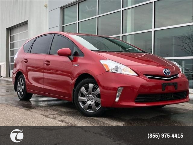 2014 Toyota Prius v !! JUST TRADED IN !! (Stk: M190385A) in Mississauga - Image 1 of 17