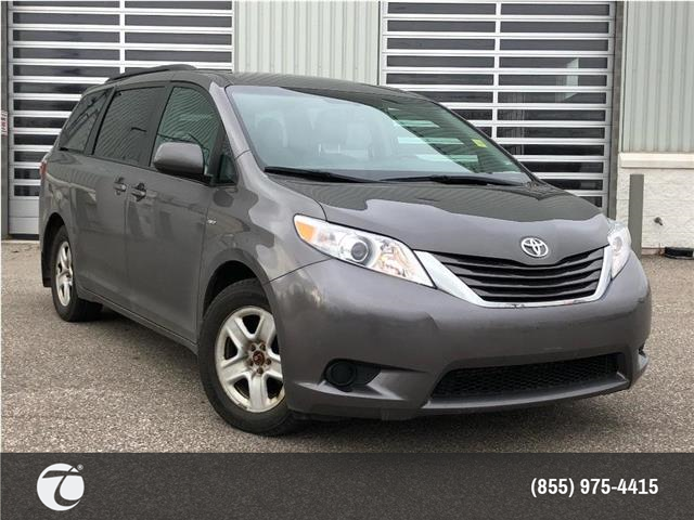 2017 Toyota Sienna LE AWD! NEW ARRIVAL ! (Stk: 31528) in Mississauga - Image 1 of 15