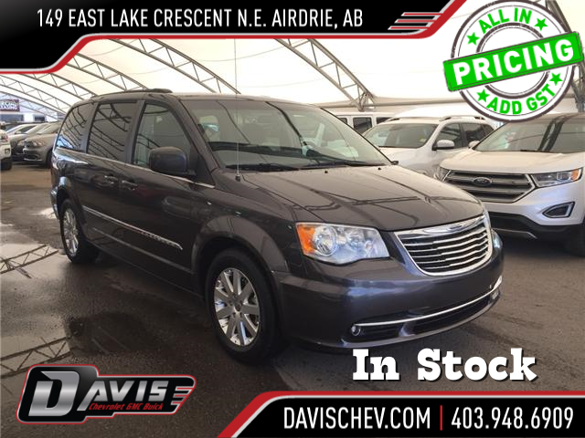 2015 Chrysler Town & Country Touring (Stk: 167652) in AIRDRIE - Image 1 of 19