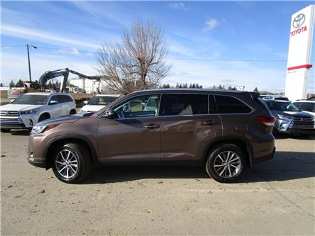 2019 Toyota Highlander XLE (Stk: 199010) in Moose Jaw - Image 2 of 30