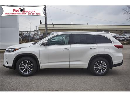 2019 Toyota Highlander XLE (Stk: 19236) in Hamilton - Image 2 of 18