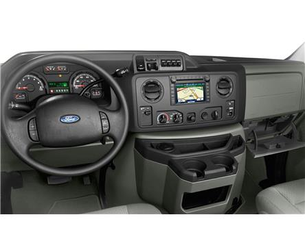 2018 Ford E-450 Cutaway Base (Stk: P7034) in Brockville - Image 2 of 2