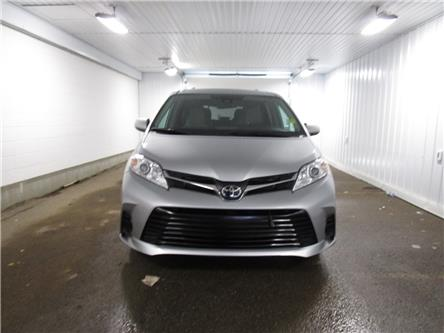 2019 Toyota Sienna LE 8-Passenger (Stk: F170635 ) in Regina - Image 2 of 33