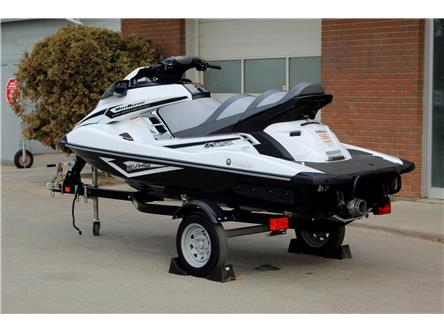 2016 Yamaha Waverunner FX Cruiser SVHO SUPERCHARGED (Stk: 18A616) in Saskatoon - Image 2 of 10