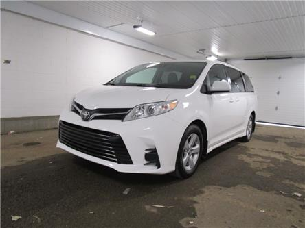 2019 Toyota Sienna LE 8-Passenger (Stk: F170627) in Regina - Image 1 of 35