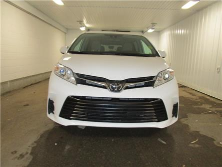 2019 Toyota Sienna LE 8-Passenger (Stk: F170627) in Regina - Image 2 of 35