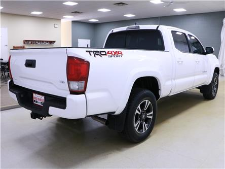 2017 Toyota Tacoma SR5 (Stk: 195307) in Kitchener - Image 2 of 30