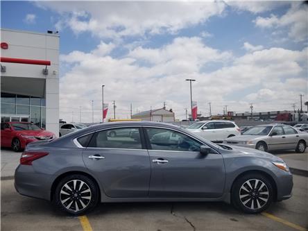 2018 Nissan Altima 2.5 SV (Stk: U194146) in Calgary - Image 2 of 28