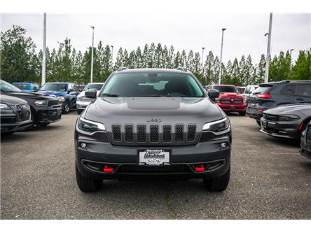 2019 Jeep Cherokee Trailhawk (Stk: K224300) in Abbotsford - Image 2 of 25