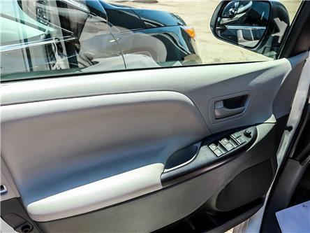 2017 Toyota Sienna 7 Passenger (Stk: P506) in Toronto - Image 2 of 8