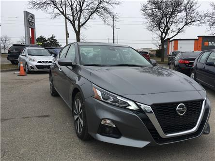 2019 Nissan Altima 2.5 SV (Stk: D305168A) in Scarborough - Image 2 of 11