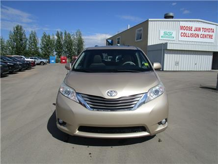 2011 Toyota Sienna XLE 7 Passenger (Stk: 1991372 ) in Moose Jaw - Image 2 of 33