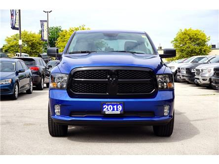 2019 RAM 1500 Classic EXPRESS NIGHT EDITION| 20in WHEELS| APPLE CARPLAY (Stk: K559A) in Burlington - Image 2 of 45