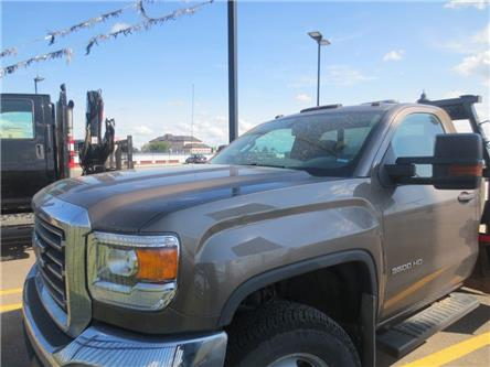 2015 GMC Sierra 3500HD Chassis WT (Stk: 207718) in Lethbridge - Image 2 of 11