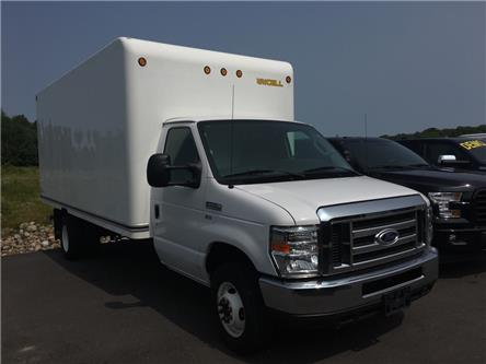 2016 Ford E-450 Cutaway Base (Stk: P19-78) in Huntsville - Image 1 of 12