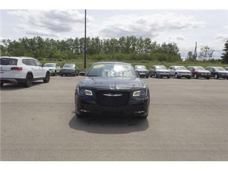 2018 Chrysler 300 S (Stk: V753) in Prince Albert - Image 2 of 11