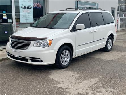 2011 Chrysler Town & Country Touring (Stk: A01961) in Guelph - Image 1 of 19