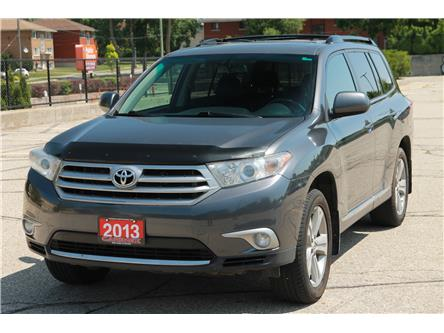2013 Toyota Highlander V6 (Stk: 1907313) in Waterloo - Image 1 of 28