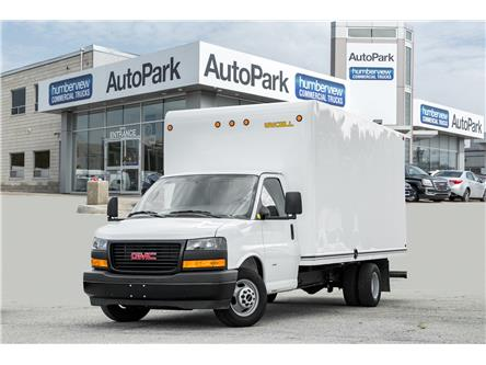 2018 GMC Savana Cutaway Work Van (Stk: ) in Mississauga - Image 1 of 17