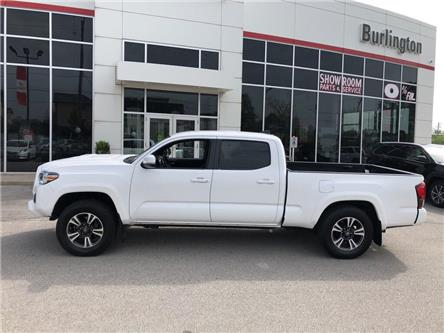 2018 Toyota Tacoma SR5 (Stk: 198255B) in Burlington - Image 2 of 17