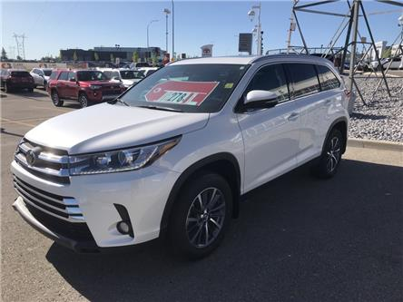 2019 Toyota Highlander XLE (Stk: 190348) in Cochrane - Image 1 of 14