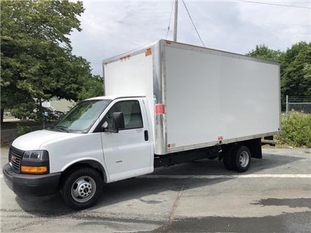 2018 GMC Savana Cutaway Work Van (Stk: 18-001697) in Lower Sackville - Image 2 of 19