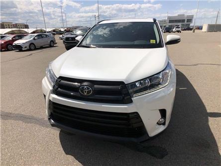 2017 Toyota Highlander  (Stk: 2900930A) in Calgary - Image 2 of 20