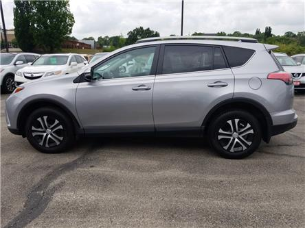 2017 Toyota RAV4 LE (Stk: 590870) in Cambridge - Image 2 of 24