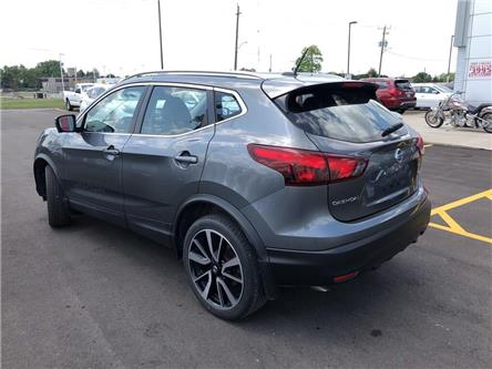 2017 Nissan Qashqai  (Stk: 9033A) in Chatham - Image 2 of 18