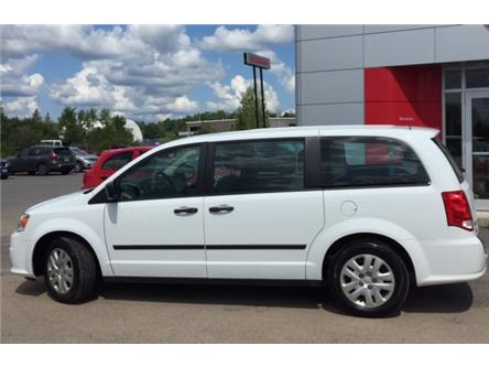 2016 Dodge Grand Caravan  (Stk: 19003A) in Bracebridge - Image 2 of 8