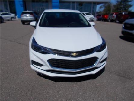 2018 Chevrolet Cruze LT Auto (Stk: 28561) in Renfrew - Image 2 of 10