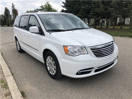 2015 Chrysler Town & Country Touring (Stk: T19-63B) in Nipawin - Image 1 of 28