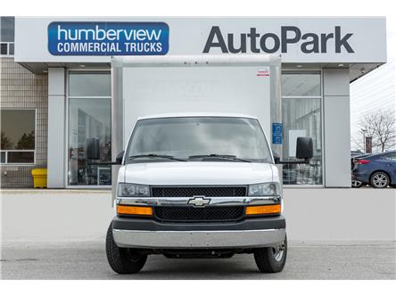 2017 Chevrolet Express Cutaway 4500 2WT (Stk: 17-157845) in Mississauga - Image 2 of 15