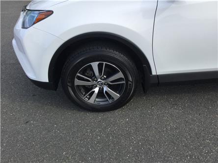 2018 Toyota RAV4 LE (Stk: U71-19) in Stellarton - Image 2 of 14