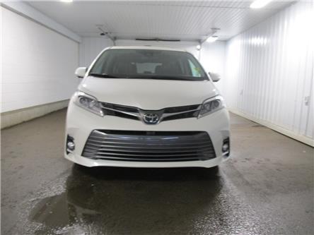 2018 Toyota Sienna XLE 7-Passenger (Stk: 127145) in Regina - Image 2 of 36
