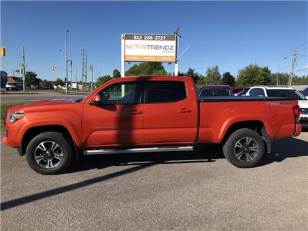 2017 Toyota Tacoma TRD Off Road (Stk: -) in Kemptville - Image 2 of 28