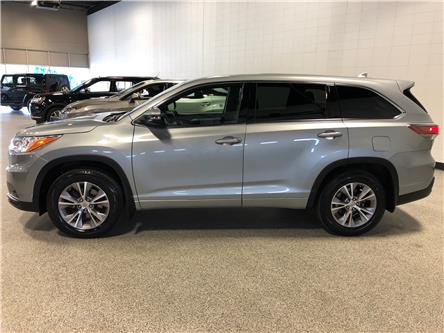2015 Toyota Highlander LE (Stk: P12149) in Calgary - Image 2 of 17