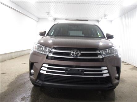 2017 Toyota Highlander Limited (Stk: F170886) in Regina - Image 2 of 43
