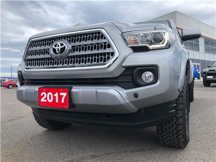2017 Toyota Tacoma SR5 (Stk: 21833-1) in Thunder Bay - Image 2 of 30