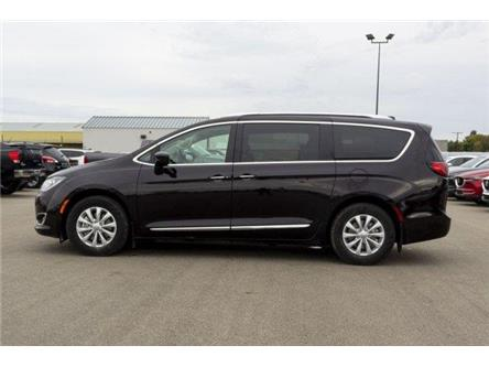 2018 Chrysler Pacifica Touring-L (Stk: 19135A) in Prince Albert - Image 2 of 11
