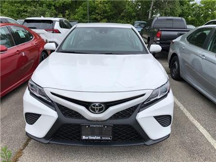 2019 Toyota Camry SE (Stk: 193028) in Burlington - Image 2 of 5