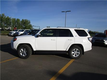 2016 Toyota 4Runner SR5 (Stk: 2080151) in Moose Jaw - Image 2 of 37