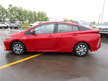 2020 Toyota Prius Prime Upgrade (Stk: 208025) in Moose Jaw - Image 2 of 42