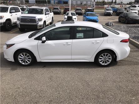 2020 Toyota Corolla LE (Stk: 200046) in Cochrane - Image 2 of 28