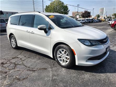 2017 Chrysler Pacifica Touring (Stk: 19224A) in Windsor - Image 1 of 13