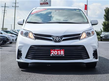 2018 Toyota Sienna  (Stk: P126) in Ancaster - Image 2 of 28