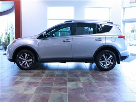 2017 Toyota RAV4 XLE (Stk: 195905) in Kitchener - Image 2 of 31