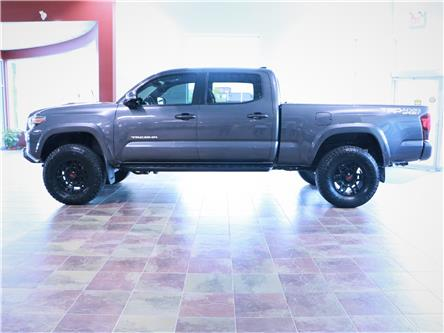 2018 Toyota Tacoma SR5 (Stk: 195866) in Kitchener - Image 2 of 31